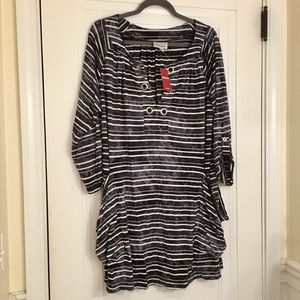 NWT! Avenue Stretchy Tunic w/ Roll up sleeves